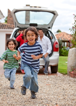 How to Keep Your Kids Safe in and Around the Car